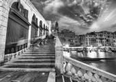 Venice. Rialto Bridge and Grand Canal at dusk — Stock Photo