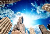 Wonderful upward view of Manhattan Skycrapers — Stock Photo