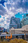 Buildings of Manhattan along High Line Park — Stock Photo
