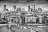 Aerial view of Millennium Bridge — Stock Photo