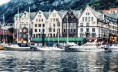 Bergen city view on a beautiful summer evening. — Stock Photo