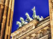 Stunning Quadriga sculpture in Brandenburg Gate — ストック写真