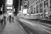 People  enjoy the lights of Times Square — Stock Photo