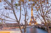 Night illumination of Tour Eiffel — Stock Photo