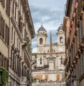 Wonderful view of Trinita dei Monti from city street — Stock Photo