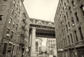 View of Manhattan Bridge on a overcast spring day - New York Cit — Stock Photo