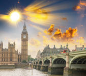 River Thames and Big Ben Tower — Stock Photo