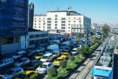 Heavy traffic in the port area of Istanbul — Stock Photo