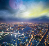 The Tower Bridge in London with river Thames — Stock Photo