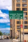 Lincoln Tunnel signage in Manhattan — Stockfoto
