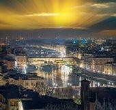 Nocny widok z Ponte Vecchio, Firenze — Zdjęcie stockowe