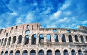 Colosseum on a beautiful sunny day — Stock Photo