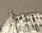Amazing view of Colosseum amphitheatre, Rome — Stock Photo