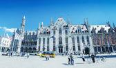 Tourists enjoy city life in Belgium — Stock Photo