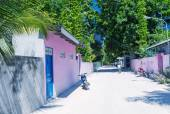 Colourful homes of tropical island — Stock Photo