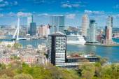 Rotterdam, Netherlands. City skyline on a beautiful sunny day — Stock Photo