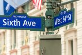 Sixth Avenue and 34st Street intersection sign - New York — Stock Photo