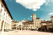 Tourists at Piazza Grande, Arezzo — Stock Photo