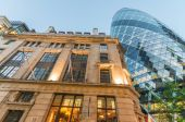 Modern and old architecture in London — Stock Photo