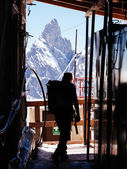 Mountaineer in a alpine hut — Stock Photo