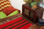 Antique radio in rural simple interior — 图库照片