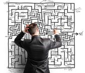 Difficult resolution of maze — Stock Photo