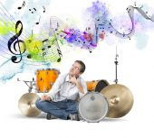 Male drummer thinks new sound — Stock Photo
