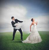 Bride runs away — Stock Photo