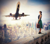 Woman watch the takeoff — Stock Photo
