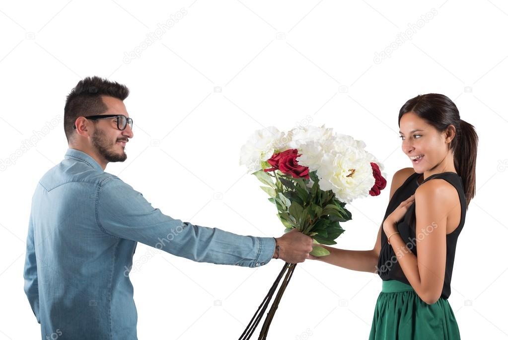 Мне парень не дарит цветы и подарки 573