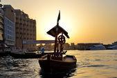 DUBAI, UAE - SEPTEMBER 10: The traditional Abra boat in Dubai Cr — Stock Photo