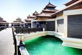The luxury villas in Thai style hotel on Palm Jumeirah man-made  — Stock Photo