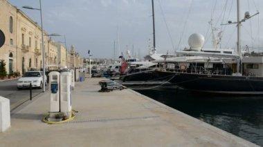 The view on Birgu and  yacht marina, Birgu, Malta — Stock Video
