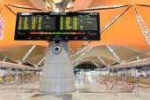吉隆坡机场内部 — 图库照片