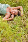 Woman rest in the grass — Стоковое фото