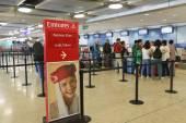 Airport interior in Geneva — Stock Photo