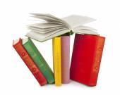 Książki kolorowy na białym tle — Zdjęcie stockowe