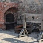 ������, ������: Instrument torture wooden