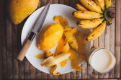 Freshness fruit mango and banana,  fresh shake milk — Stock Photo