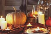 Autumn place setting. Thanksgiving dinner — Stock Photo