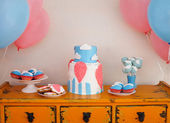Sweet table with big cake, cupcakes, cake pops  — Stock Photo