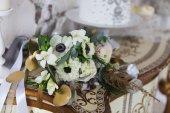 White wedding bouquet with ranunculus — Stock Photo