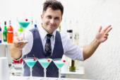 Barman with cocktail drink — Stock Photo