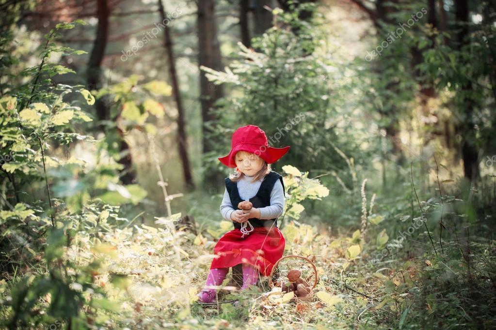 Красная шапочка в лесу фото фото 725-455
