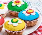 Cupcakes decorados com mástique — Fotografia Stock
