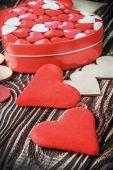Wooden and felt hearts — Stockfoto
