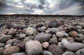 Plaży głazy na brzegu Morza Barentsa — Zdjęcie stockowe