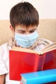 Sick Teenager in Flu Mask — Stockfoto