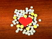 Heart Shape with the Pills — Stock Photo