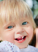 Cheerful Child outdoor — Stock Photo